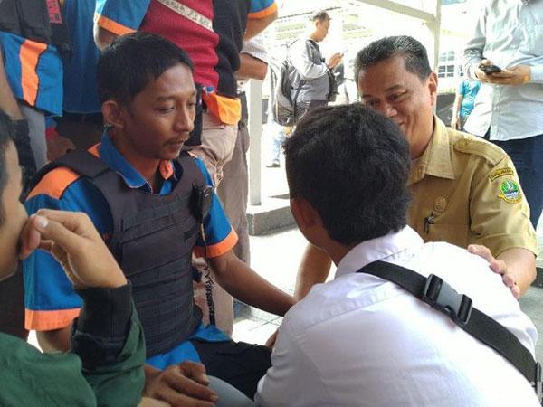 Satgas Ciduk Pelajar yang Sembunyikan Seragam di Balik Jaket, Disinyalir Akan Turut Demo Jakarta
