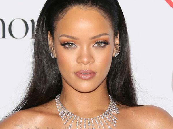 Rihanna Akhiri Hubungan Dengan Miliarder Arab Saudi Hanya Karena Alasan Kecil Ini!
