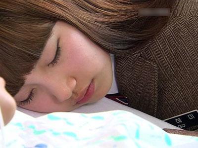 Wah Ternyata Suzy Sering Ngiler Saat di Kelas