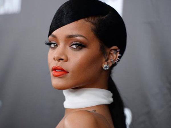 Wow, Rihanna Akan Rilis Dua Lagu Baru Sekaligus dari Albumnya 'Anti'!