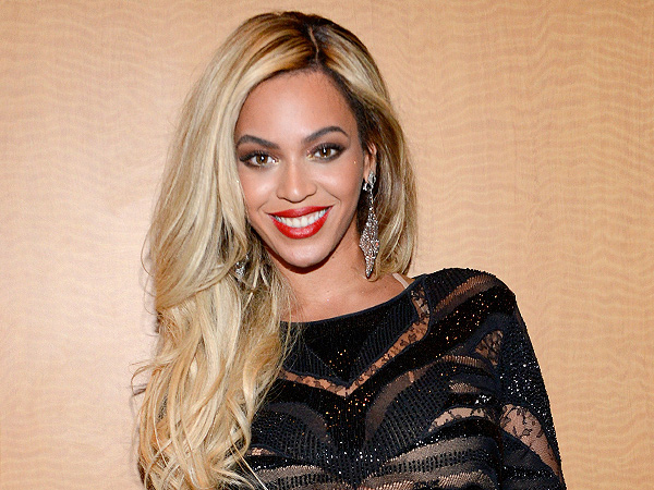 Beyonce akan Nyanyikan Lagu Bertema Sensual di Soundtrack 'Fifty Shades of Grey'?