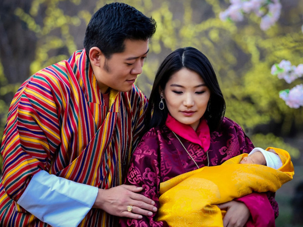 Negara Ini Rayakan Kelahiran Pangeran Dengan Tanam 108 Ribu Pohon!