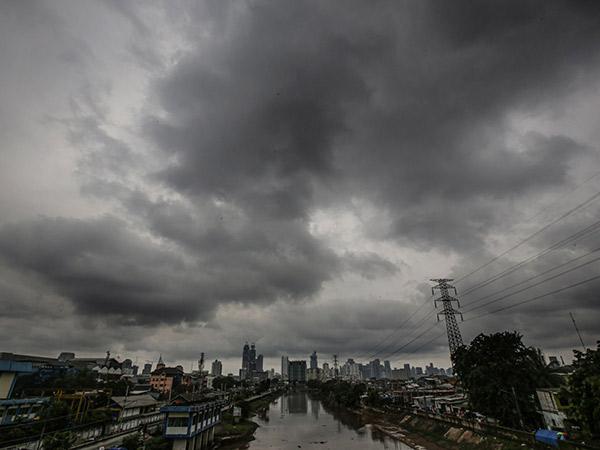 BMKG Rilis Peringatan Cuaca Ekstrem Sepekan ke Depan