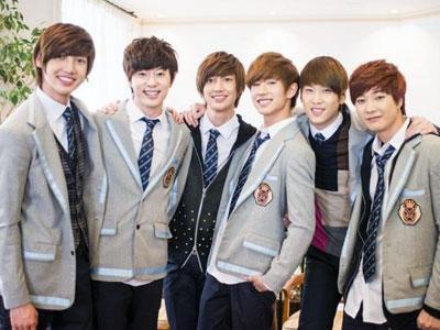 Rayakan Rilisnya Film Mereka, Boyfriend Adakan Event Bersama Fans Jepang