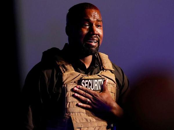 Kanye West Minta Maaf ke Kim Kardashian Usai Ngaku Ingin Cerai
