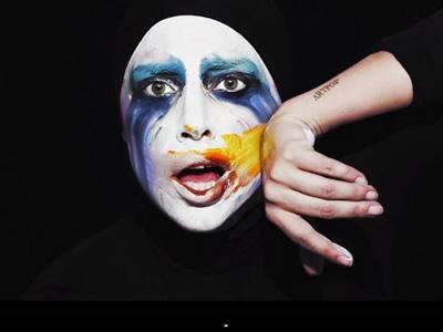 Lady Gaga Tampil Teatrikal di Video Musik 'Applause'!
