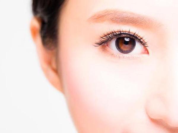 Jaga Kesehatan Mata Dari Sinar Gadget Dengan Lakukan Hal Ini