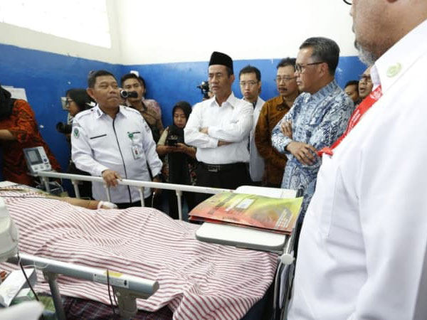 Jenguk Langsung, Menteri Pertanian Ceritakan Kondisi Korban Gempa dan Tsunami di Makassar