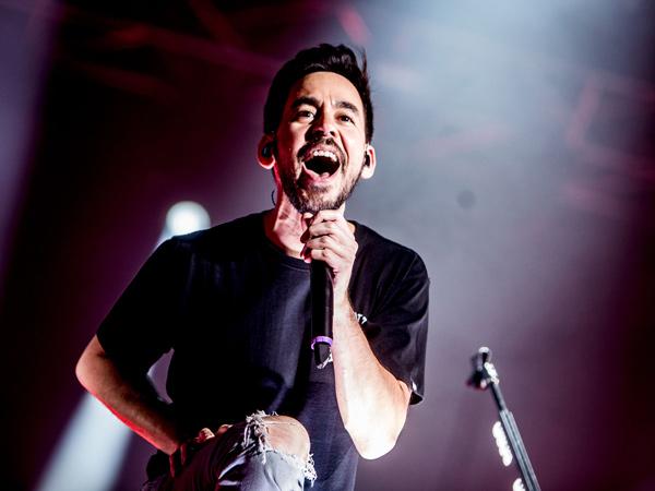 Siap Kenang Chester Bennington, Mike Shinoda Bakal Konser di Jakarta September Mendatang!