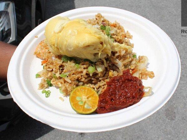 Menu Sarapan Nasi Goreng Hingga Kopi dari Durian, Unik atau Eneg?