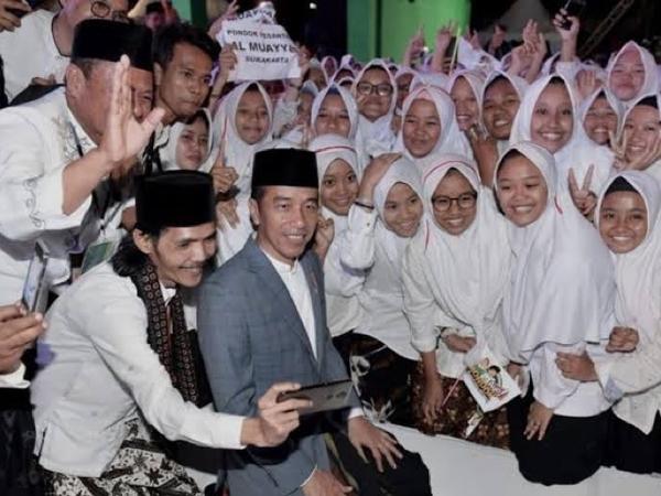Alasan FSI Akan Jadikan Presiden Jokowi Sebagai Bapak Santri Indonesia
