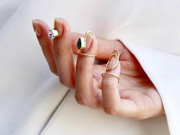 Percantik Kuku dengan Cincin Sederhana yang Elegan Ala Unistella - Park Eunkyung