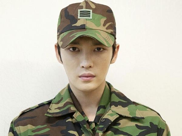 Sedang Jalani Wamil, Kim Jaejoong Muncul di acara 'Mom Goes to the Army'!