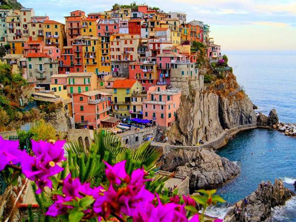Penuh Warna, Kota-Kota Di Dunia Ini Sajikan Pengalaman Menyenangkan Bagi Traveller