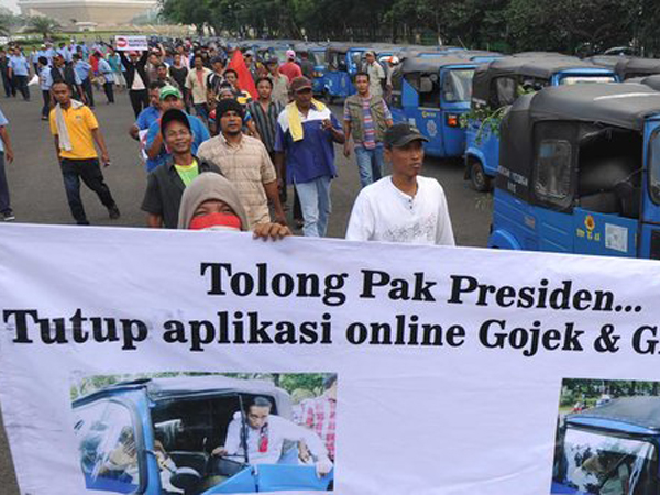 Protes Transportasi Online, Ribuan Sopir Demo di Balai Kota Hingga Istana Negara