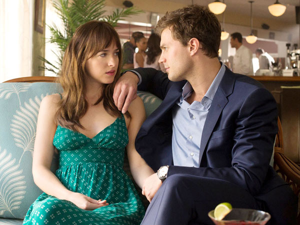 Wow, 'Fifty Shades of Grey' Sukses Pecahkan Rekor Box Office Rating Dewasa!