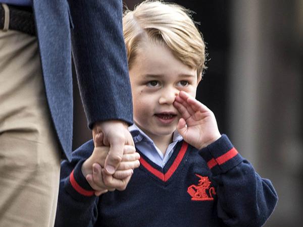 Pergi Ke Sekolah, Pangeran George Ditemani Pasukan Bersenjata