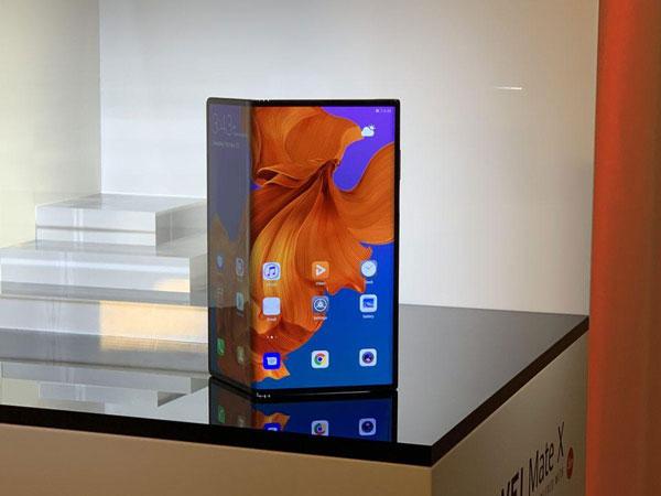Resmi Dirilis, Ponsel Lipat Huawei Mate X Bakal Lama Masuk Indonesia karena Hal Ini