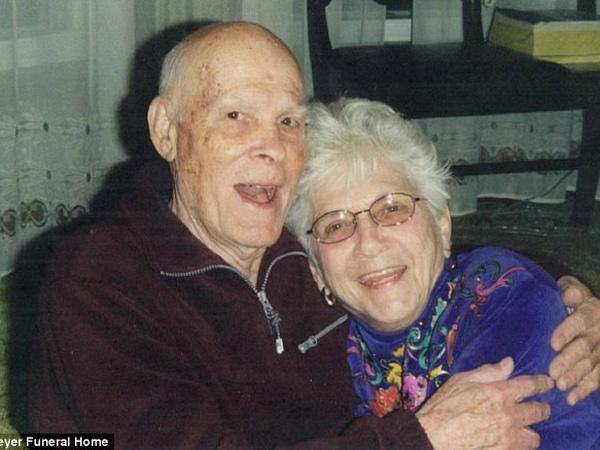 73 Tahun Menikah, Pasangan Suami-Istri Ini Meninggal di Waktu Hampir Bersamaan