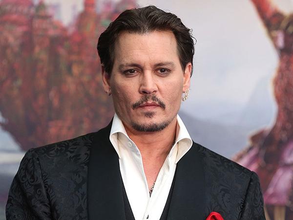 Johnny Depp Dirumorkan Perankan Joker di Film Batman Terbaru