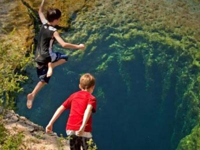 Jacob's Well , Lubang Berbahaya yang Mampu Tarik Pengunjung