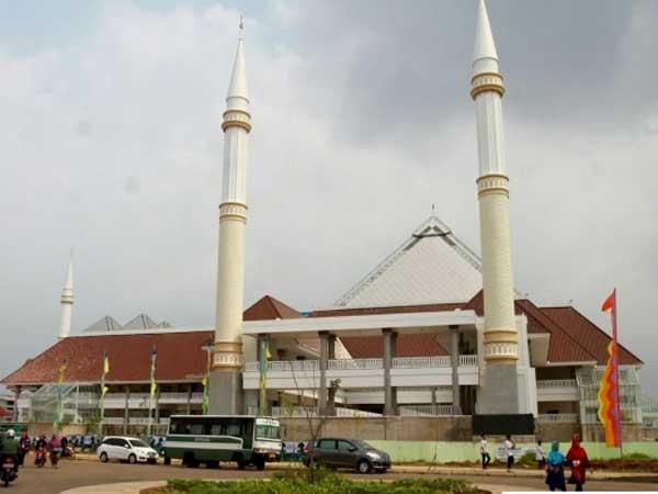 Diresmikan Presiden Jokowi, Intip Megahnya Masjid Raya KH Hasyim Asyari di Jakarta