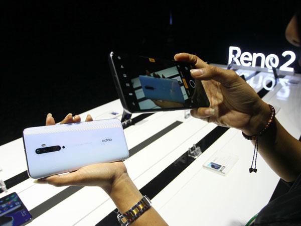 Penawaran Menarik di Penjualan Perdana Oppo Reno2 Series, Undian Buy 1 Get 1 Free