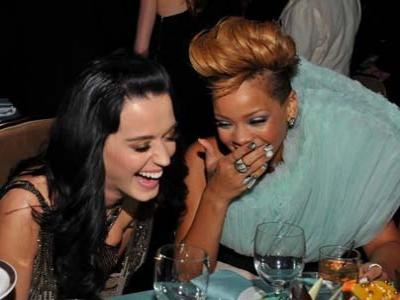 Rihanna CLBK dengan Chris Brown, Katy Perry Tak Terima