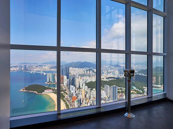 Nikmati Pemandangan Kota dan Pantai Busan dari Ketinggian 100 Lantai