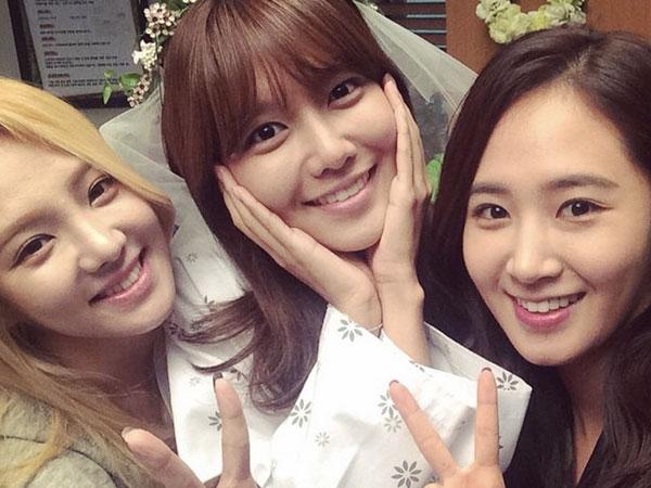 SNSD Kejutkan Sooyoung Saat Datang ke Lokasi Syuting 'My Spring Days' !