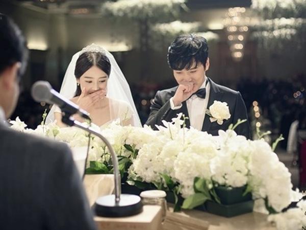Intip Foto-foto Resmi Kebahagiaan Sungmin Super Junior dan Kim Sa Eun di Hari Pernikahannya