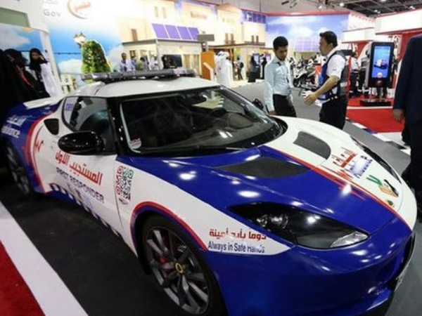 Kenali Ambulans Ala Dubai, Pakai Mobil Sport!