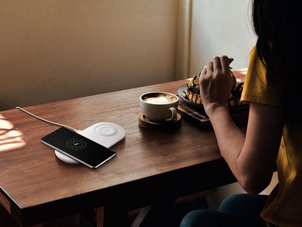 Tak Pakai Kabel, Bagaimana Sih Cara Kerja Wireless Charging di Smartphone?