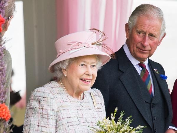 Pangeran Charles Sempat Bertemu Ratu Elizabeth Dua Minggu Sebelum Positif Corona?