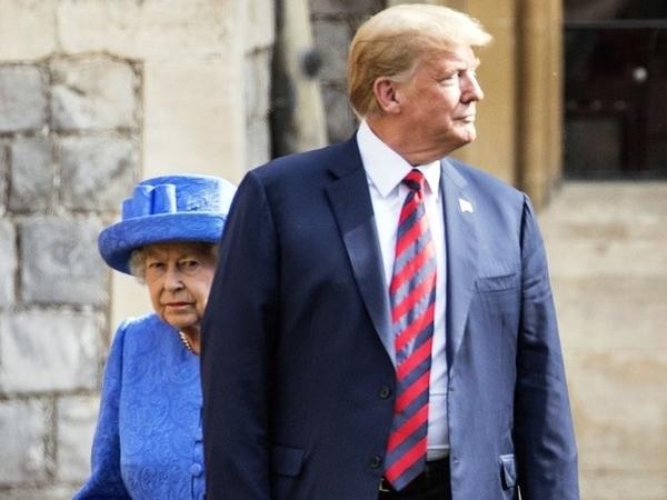 Duh, Dua Aturan Protokoler Kerajaan Inggris ini Dilanggar Trump saat Bertemu Ratu Elizabeth II