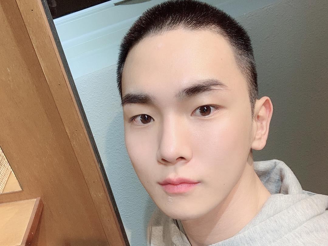 Key SHINee Pamit Masuk Wajib Militer Lewat Surat Manis untuk Fans