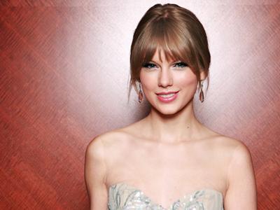 "Taylor Swift : ""Nggak Perlu Telanjang untuk Jadi Terkenal!"""