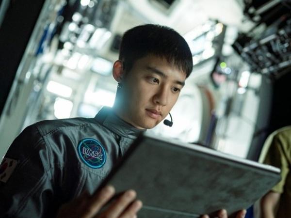 Potret D.O EXO Jadi Astronot di Film Baru 'The Moon'