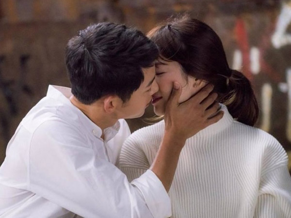 Inikah Alasan Ilmiah Mengapa Saat Berciuman Kepala Refleks Miring ke Kanan?