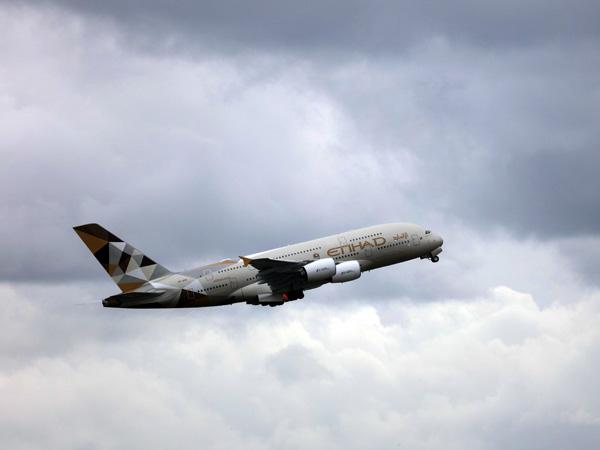 Dua Pesawat Asing Alami Turbulensi di Langit Indonesia, Apa Penyebabnya?