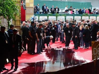 Ups, Red Carpet 'Golden Globe Awards 2014' Sempat Kebanjiran Sebelum Dimulai!