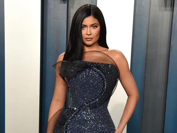 Kylie Jenner Diam-Diam Sumbang Rp 16 Miliar Bantu Tenaga Medis Lawan Corona