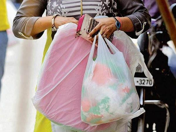 Reaksi Warga Jakarta Soal Survei Pembatasan Kantong Plastik, Kamu Salah Satunya?