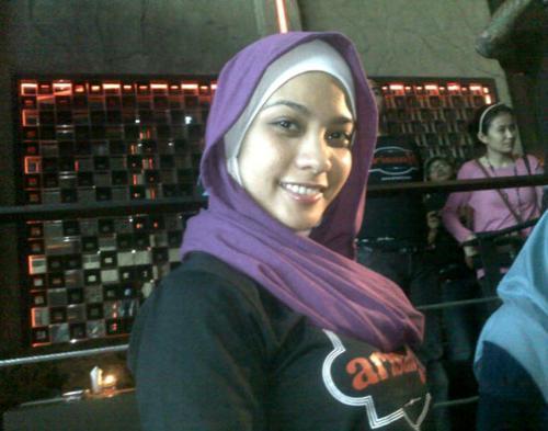 Rachel Maryam Bantah Dekat Dengan Ustad