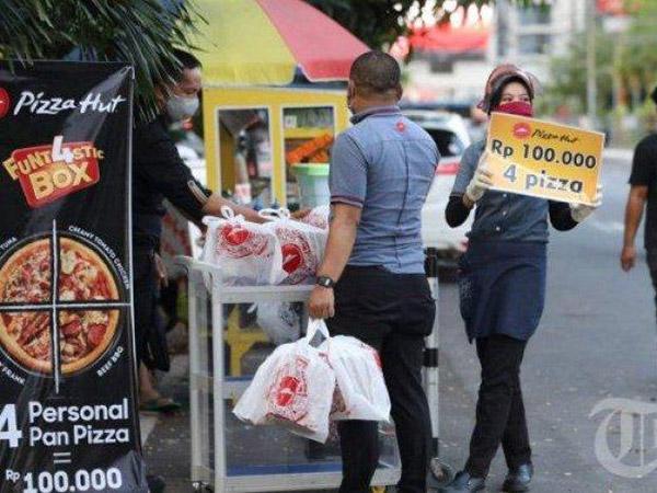 Dampak Pandemi, 8 Restoran Besar Ini Ikut Turun Jualan di Pinggir Jalan