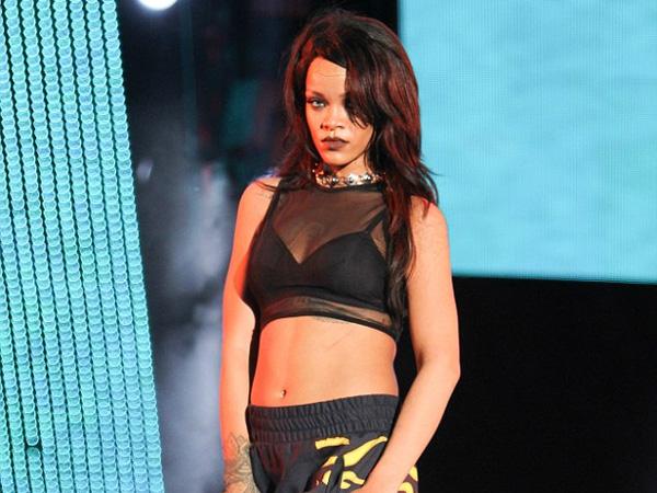 Nicki Minaj, Eminem, dan Musisi Ternama Lainnya Akan Terlibat di Album Baru Rihanna?