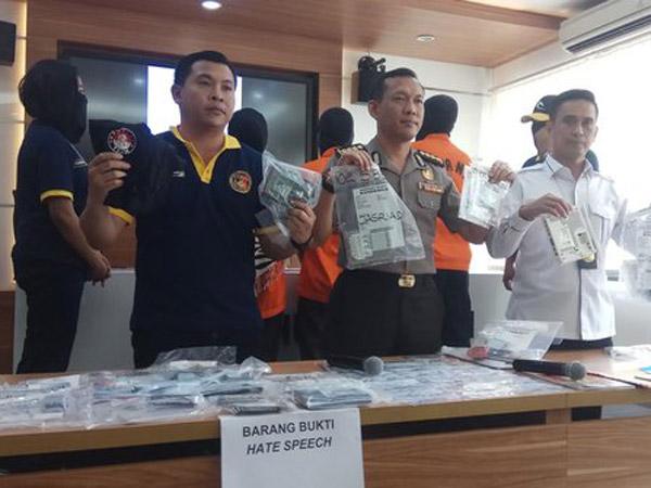 Alasan Polisi Yakin Mengapa Grup Penyebar Kebencian 'Saracen' Dipenuhi Orang Cerdas