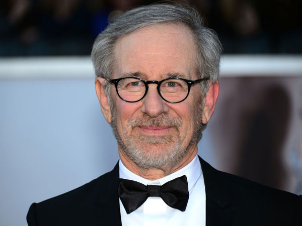 Sutradara Hits 'Jurassic Park' Ini Siap Garap Film Superhero Untuk Pertama Kalinya!