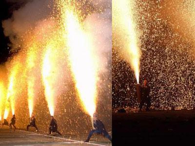 Inilah Tradisi Kembang Api Ekstrim di Jepang