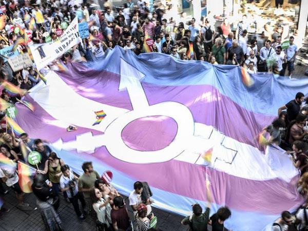 WHO Hapus Transgender dari Golongan Penyakit Mental!